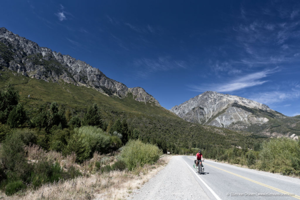 Cycling Ruta de 7 lagos in Argentina