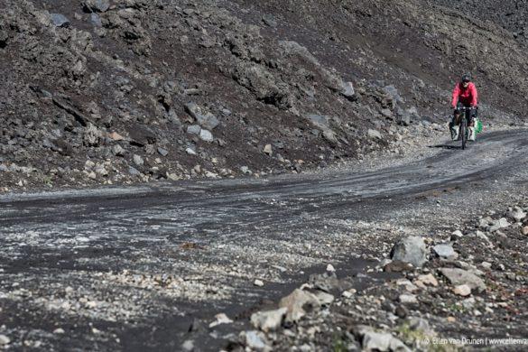 Cycling Paso Pichachen