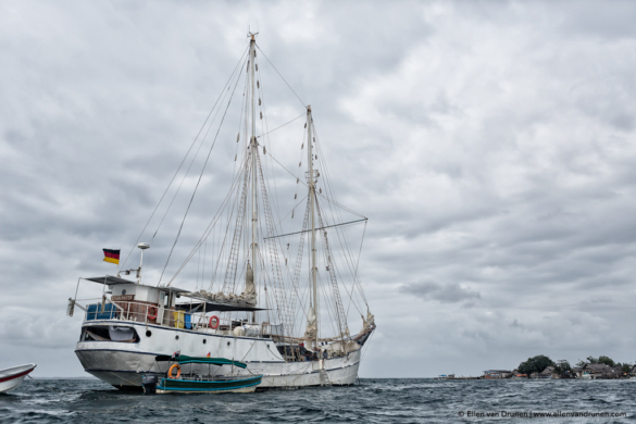 Sailing to Panama on the Stahlratte
